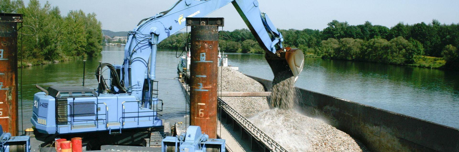 Wasserbau beseitigt Geschiebefracht Slider