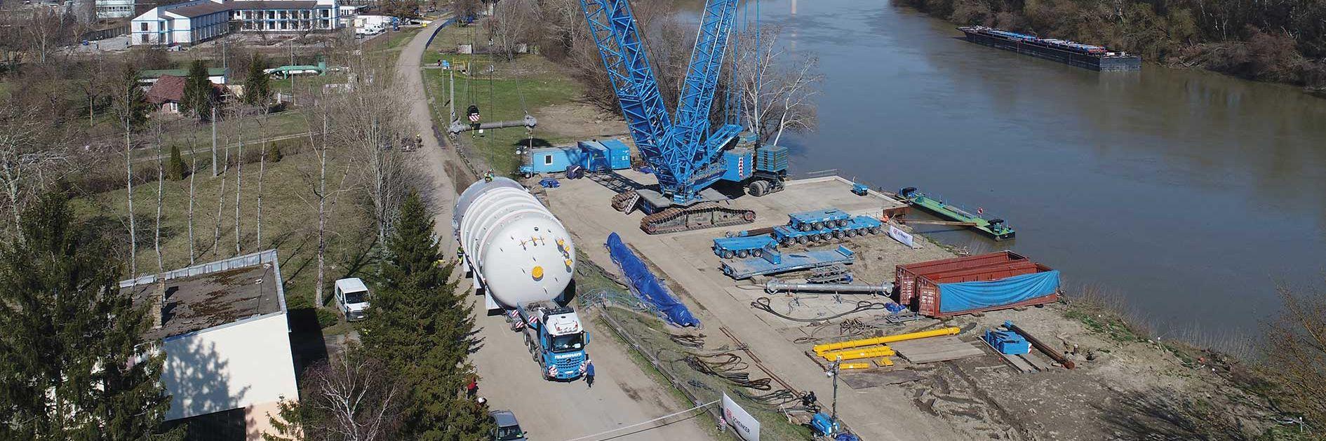 Rozhodujúci boj logistiky ťažkých nákladov pre petrochemický priemysel Slider